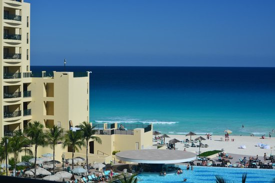 The Royal Sands Resort & Spa All Inclusive: The daily scene