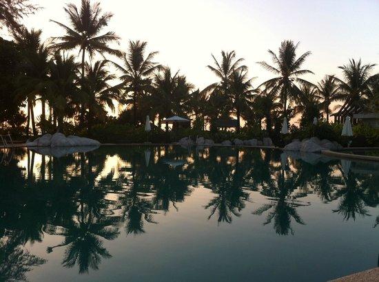 Natai Beach Resort & Spa, Phang-Nga: Piscina