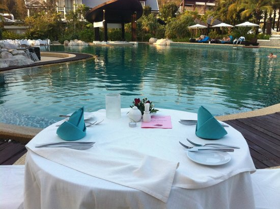 Natai Beach Resort & Spa, Phang-Nga: Cena S, Valentino