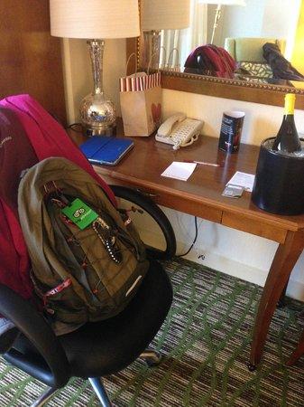 Norfolk Waterside Marriott: Work desk