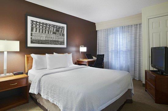 Residence Inn Greenville-Spartanburg Airport: Suite Bedroom