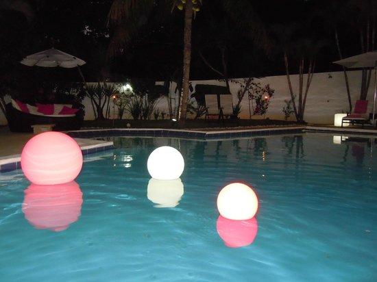 Casa Veintiuno : dineren naast drijvende lampionnen