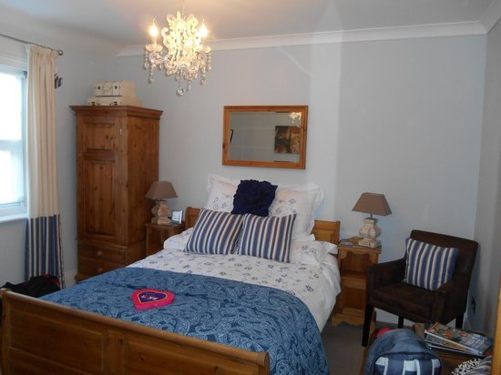 All Seasons Guest House Filey, B&B: comfortable bed