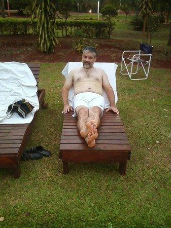 Hostel Inn Iguazu: descansando al costado de la pile