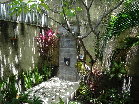 The Sanyas Suite Seminyak: The Outdoor Shower