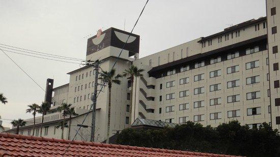 鴨川ホテル 三日月, 外観