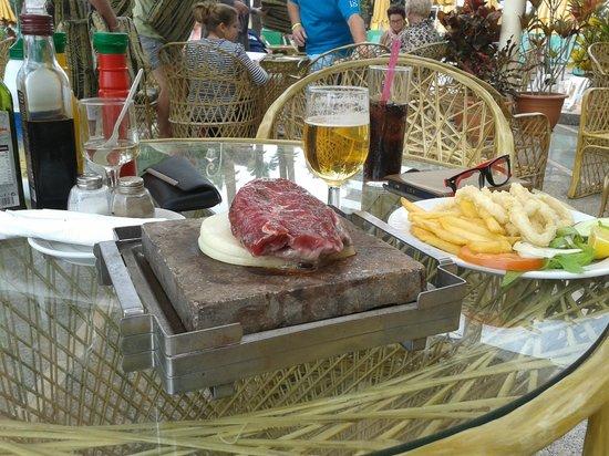 Hotel Eugenia Victoria: Carne a la piedra