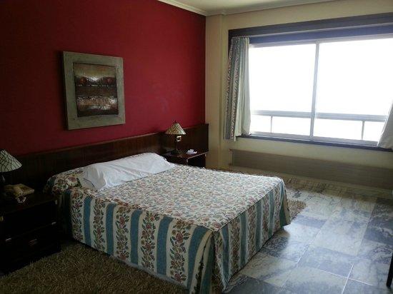 Hotel Bahia de Vigo: habitación del Apartahotel