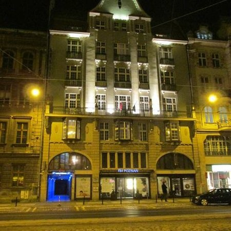 NH Poznan: front of hotel
