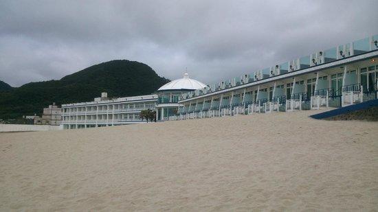 White House Beach Resort: 行館外觀