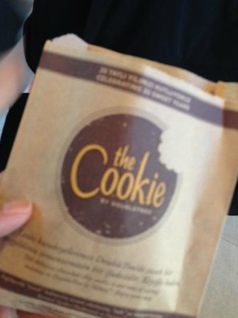 DoubleTree by Hilton Istanbul - Moda: The Cookie packaging