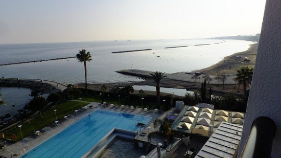 Crowne Plaza Limassol: Hotel Pool