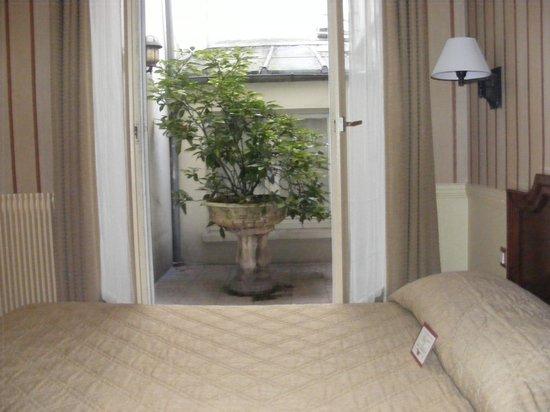 Hotel du Theatre: Chambre avec jardin le luxe à petit prix