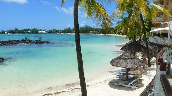 Merville Beach Hotel: L'autre plage sur la baie privée car inaccessible de l'extérieur!