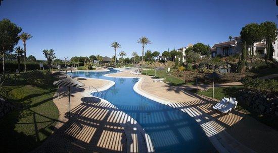 Precise Resort El Rompido - The Hotel: Piscina de los apartamentos