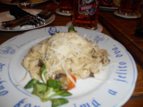 Pivnice Dacicky : Pasta al champiñón