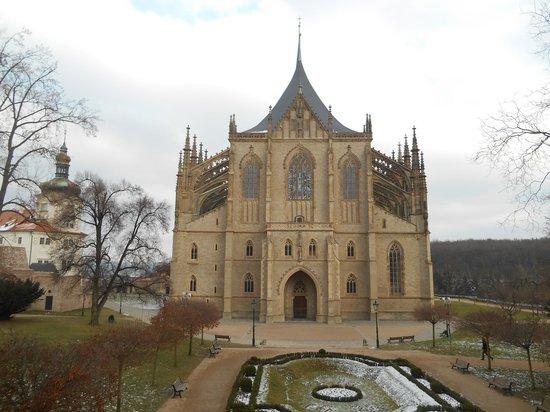 Cathedral of St. Barbara: Catedral de Santa Bárbara