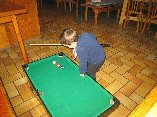 Hotel Pension Clairevie: billards à dispo