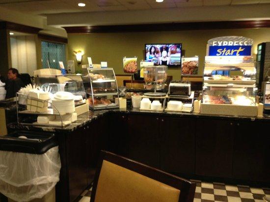 Holiday Inn Express Midtown Philadelphia: De todo para el desayuno, muy completo.