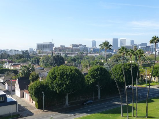 Viceroy L'Ermitage Beverly Hills: view from balcony