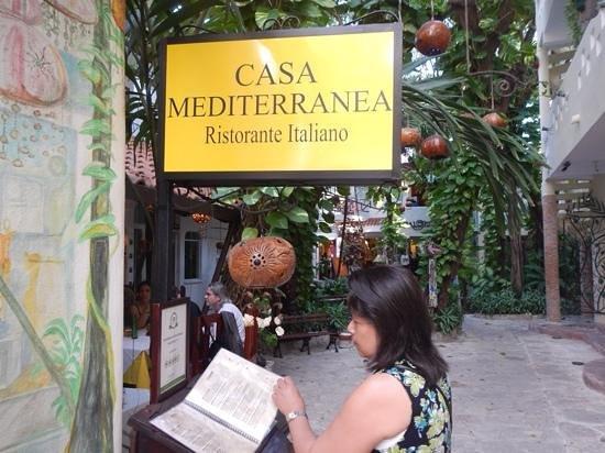 Casa Mediterranea: entrance