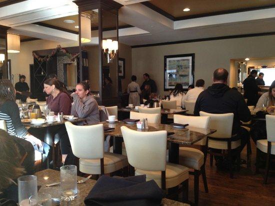 Hamilton Crowne Plaza Hotel: El lugar para desayunar,muy paquete