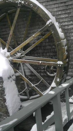 Inn at Gristmill Square: Mill Wheel