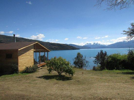 El Mirador de Guadal: Vista al Lago General Carrera desde Cabaña