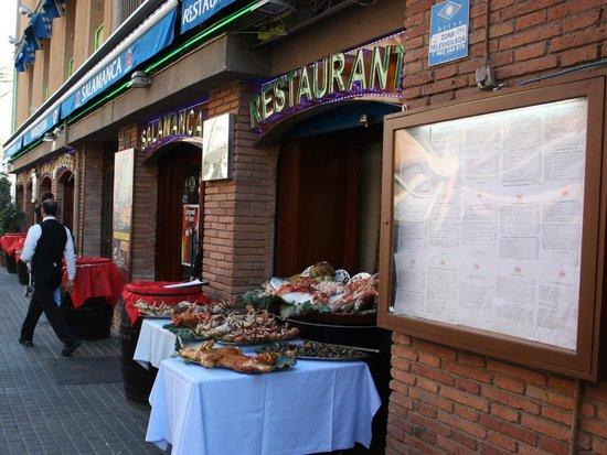 Restaurante Salamanca: Puerta de entrada al Restaurant Salamanca