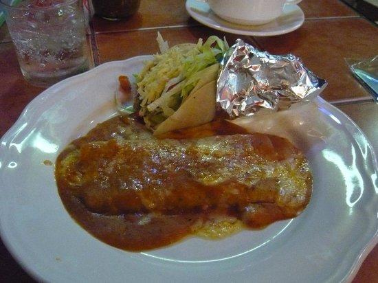 Miguel's Cafe: タコスとエンチラーダ
