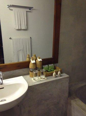 Habarana Village by Cinnamon: В ванной комнате