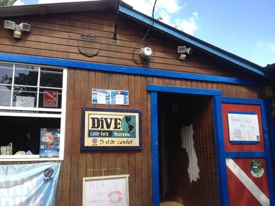 Dive Little Corn - Day Dives: Fun, small little shop
