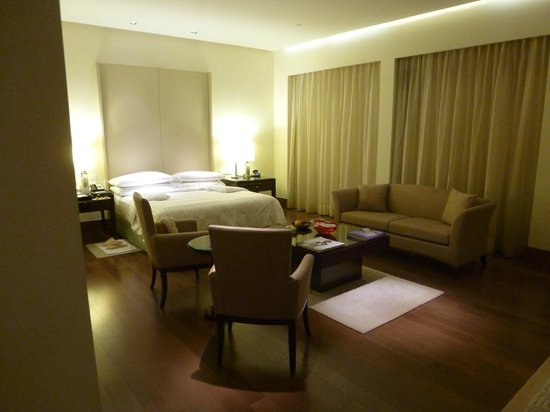 The Oberoi, Gurgaon: Bedroom