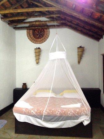 Hotel Laguna Anjuna: The bed