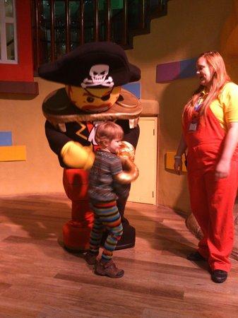 Legoland Windsor Resort Hotel: Meeting Captain Brickbeard