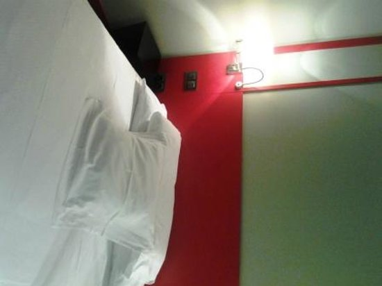Hotel Santo Domingo Madrid: seconda camera