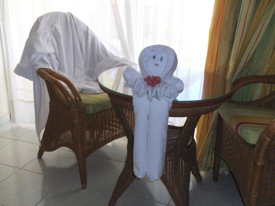 Grand Bahia Principe San Juan: Kunstværk af håndklæøder udført af rengøringen