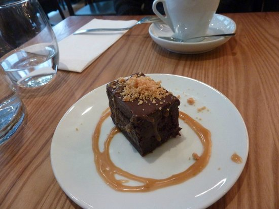 Chez Boulay Bistro Boreal : chocolate dessert with salted caramel sauce
