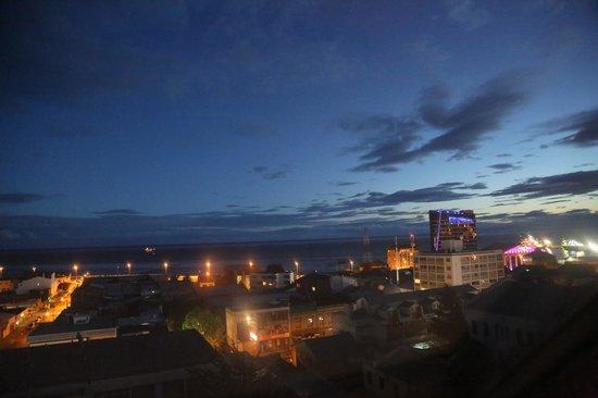 Hotel Cabo de Hornos: magellan's isthm, night