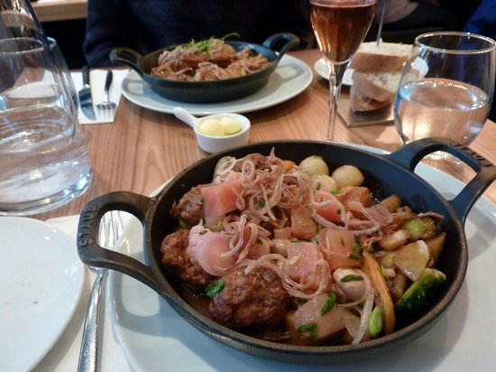 Chez Boulay Bistro Boreal : ragoût de pattes de porc et boulettes