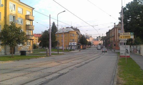Ibis Olomouc Centre: Улица, на которой стоит отель