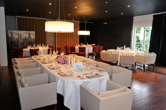 Table d 39 honneur picture of restaurant le saint sylvestre - Table reveillon saint sylvestre ...