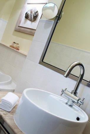 Hotel Nautilus: Bathroom
