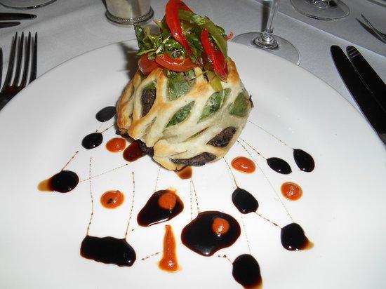 Cliff House Hotel Dining Room : Mushroom en croute
