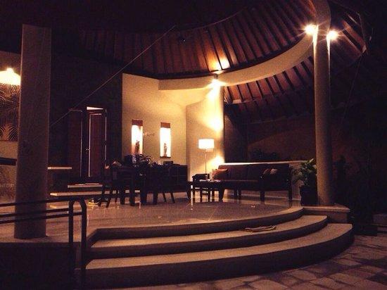 The Kunja Villas & Spa : ヴィラ内リビングです