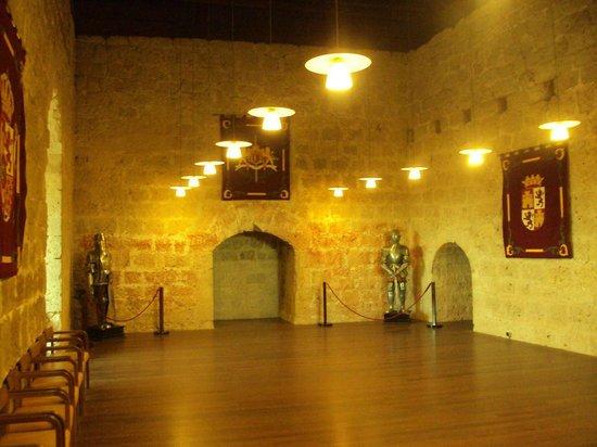 Castillo de Peñafiel: Una de las dependencias que se visitan.