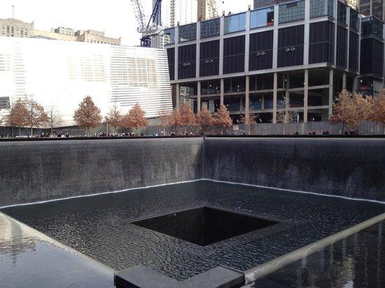 National September 11 Memorial und Museum: Las fuentes