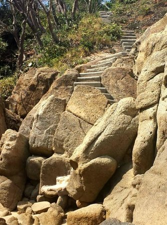 Isla La Roqueta: Stairs to a small beach on the South side