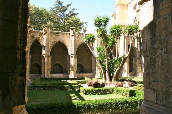 Archbishop's Palace (Palais des Archeveques)