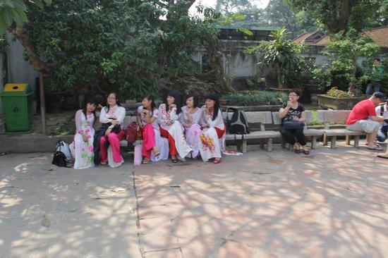 Temple de la Littérature de Hanoï : Вьетнамские выпускницы